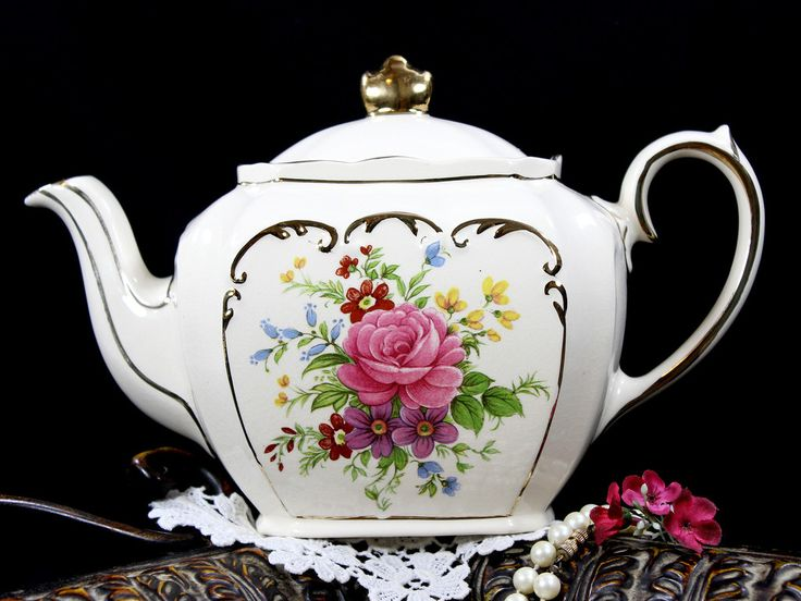 Sadler Cube Tea Pot, Beautiful Roses Motif, Vintage Teapot 12841
