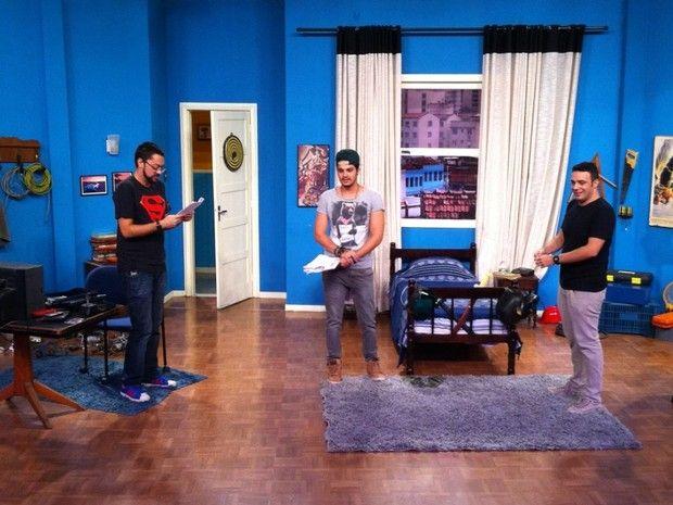 """Luan. S - A Bússola: Luan Santana é """"cupido"""" em episódio de Vai Que Cola"""