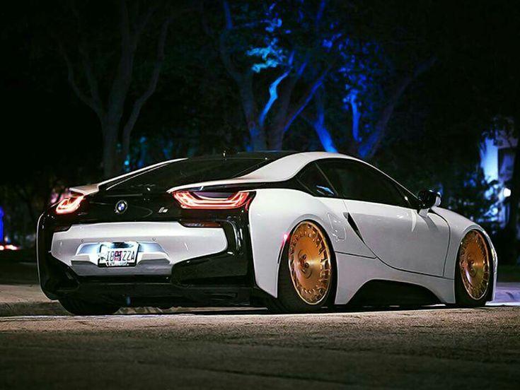 BMW i8 white slammed