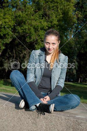 blazer, blue jeans,  bootcut, converse, elegance, feet, flared, footwear, girl, jacket, keds, running shoe, sexy, smart casual,  sneakers, sport, suit, t-shirt, tomboy style, блейзер, джинсы-клёш, кеды, костюм, кроссовки, пиджак