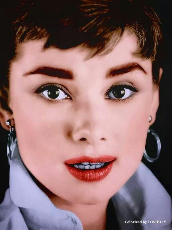 Mejores 113 imágenes de Audrey Hepburn en Pinterest   Desayuno en ...