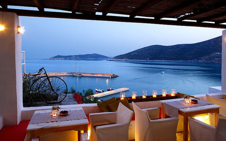 Sifnos- Niriedes Image Gallery   Niriedes at Sifnos island   Sifnos Images   Photos Platy Gialos Sifnos