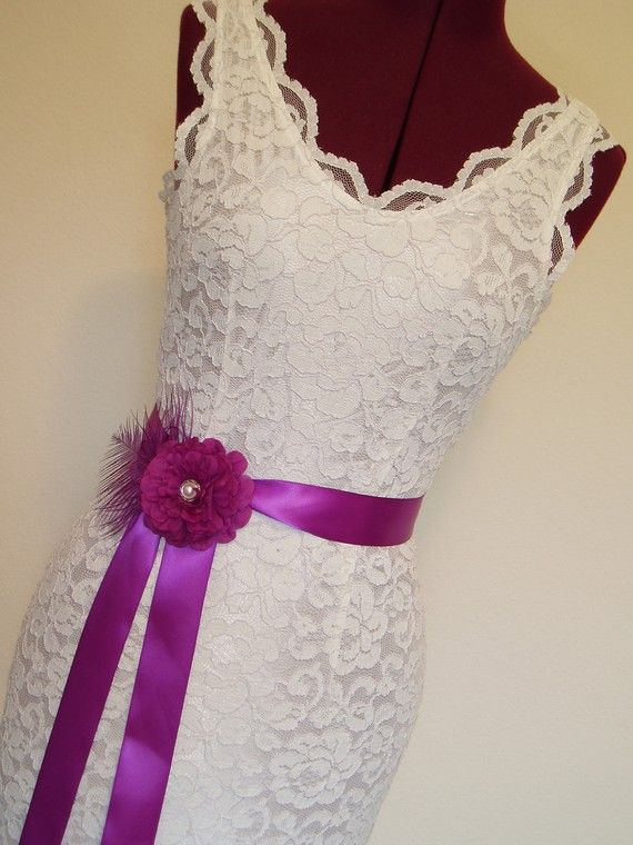 ribbon color on the wedding dress