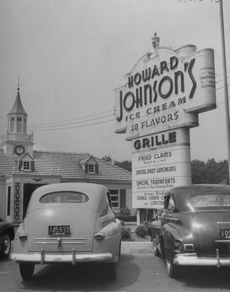 Howard Johnson's 1948 - We had a Howard Johnson's like this one in Youngstown, Ohio.. Dining there was actually considered fine dining back in the day. We went there on Sunday's after church with our Nana and Grandpa.