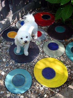 The passionate maker: Concrete as the main attraction, colorful garden stepping stones