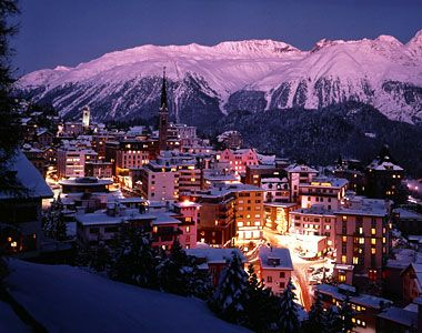 Situated on the edge of beautiful mountain lake, one of the most famed and colorful tourist destination in Switzerland is St. Moritz. Its combination of a relaxed atmosphere, great shopping, sports and cultural activities makes it a must visit tourist location.