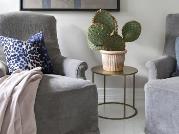 Slik skaper du en stram og moderne stil i stua