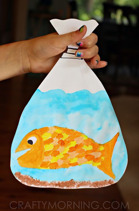 Adorable goldfish in a bag kids' craft.