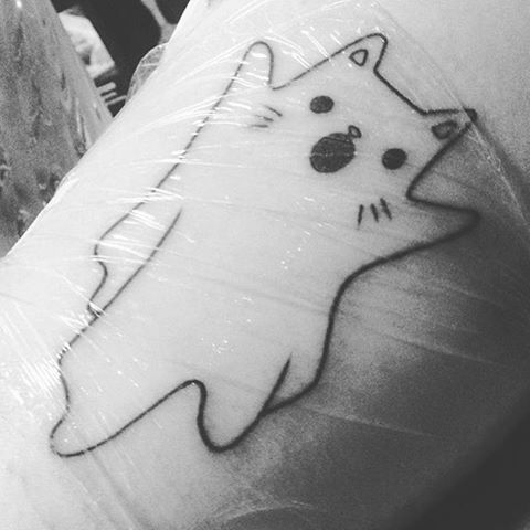 Waaah!!! @marinaiva got our #halloweenkittens cat ghost tattooed and it's amazing! So cool ✨
