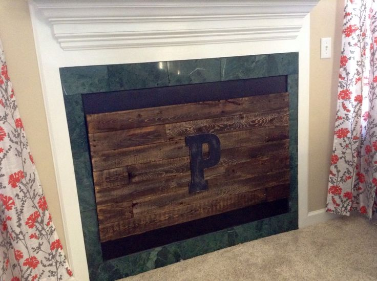 Gas fireplace cover made from pallet wood, | Fireplace cover