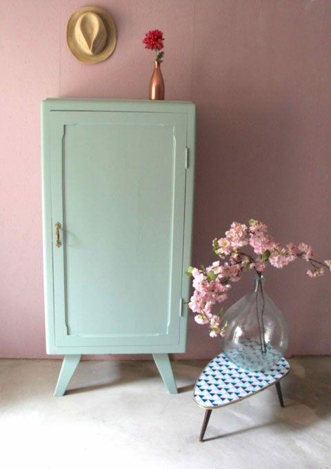 Armoire parisienne une porte via retour de chine 320 eur for Peindre une armoire en pin