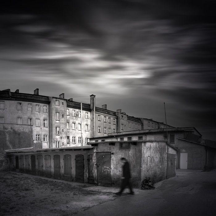 Michal Giedrojc - City series #creativephotography #creative #photo #photography #surreal #fineart #zdjecia #kretywne #fotografia #art #dark #blackandwhite #black #artistic giedrojcmichal.com/