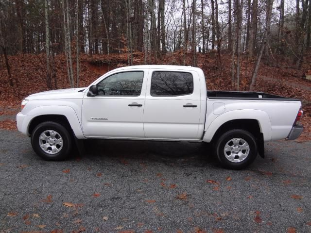 best 25 toyota tacoma for sale ideas on pinterest toyota tacoma lifted toyota 4x4 for sale. Black Bedroom Furniture Sets. Home Design Ideas