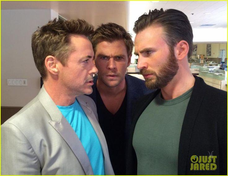 rdj chris evans chris hemsworth avengers la press junket 01 Robert Downey Jr. finds himself in a Chris Evans and Chris Pratt sandwich during the Avengers: Age of Ultron press junket on Saturday afternoon (April 11) in Los…