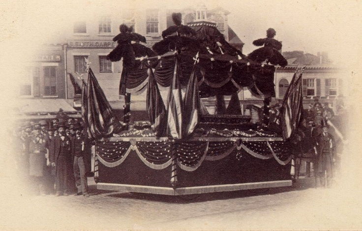 The hearse that carried Lincoln's casket in the New York procession.Civil Wars, White Houses, Lincoln Funeral, Abraham Lincoln, Lincoln Body, Funeral Carriage, Decor Horse'S Drawn, Elaborate Decor, Transportation Lincoln