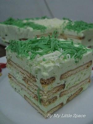 kiwi fruit mousse cake
