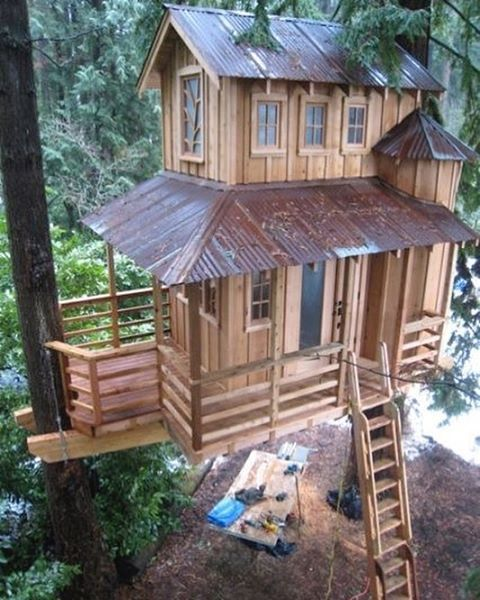Treehouse in #Seattle #Washington by Pete Nelson #interiors #interiordesign #architecture #decoration #interior #home #design #camper #bookofcabins #homedecor #house #decor #prefab #diy #campervan #compactliving #fineinteriors #cabin #shed #tinyhomes #tinyhouse #cabinfever #foodtruck #tinyhousemovement #airstream #treehouse #cabinlife #cottage