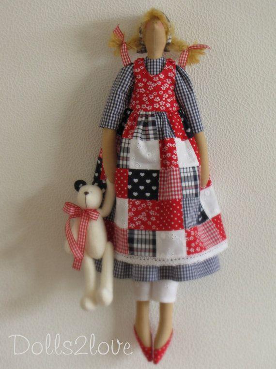 Muñeca Tilda Babbette vistiendo un vestido de por Dolls2love