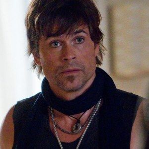 Rob Lowe Returns as Eddie Nero for Californication Season 7 -- The actor will reprise his Brad Pitt-like role for a one episode appearance when the hit Showtime series returns in 2014. -- http://wtch.it/0IGve
