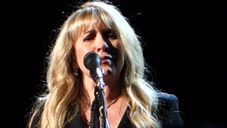 """Wow. She is crying while singing this song. Fleetwood Mac 12-30-13 MGM Grand Las Vegas - """"Say Goodbye"""""""
