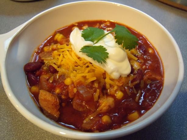 Crock Pot Chicken Chili  Calories 160.4   Calories from Fat 17 10% Total Fat 1.9 g 2% Saturated Fat 0.4 g 2% Cholesterol 27.2 mg 9% Sodium 482.7 mg 20% Total Carbohydrate 23.6 g 7% Dietary Fiber 5.6 g 22% Sugars 6.7 g 27% Protein 14.3 g 28%    4 PointsPlus