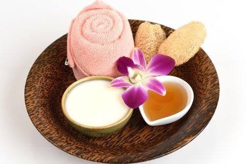 Dans cet article, nous allons partager avec vous une crème maison qui profite de toutes les propriétés du yaourt pour revitaliser la peau et diminuer les tâches. Prêt à essayer ?