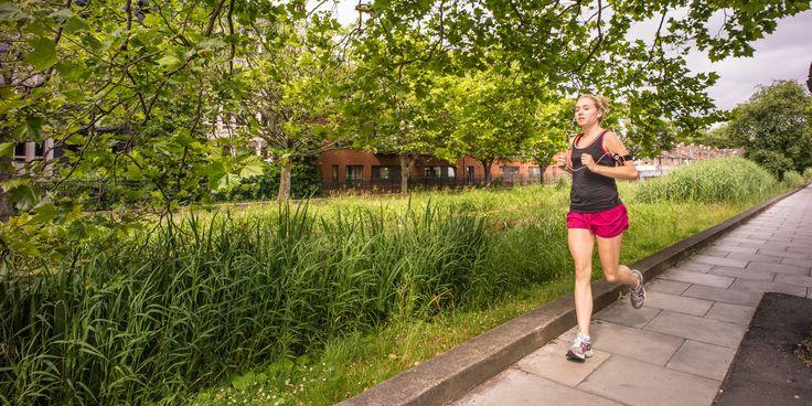 Het aantal hardloopblessures blijft stijgen, zo blijkt uit onderzoek. Daarbij valt op dat vooral de beginnende hardloper een groot risico op een blessure heeft.