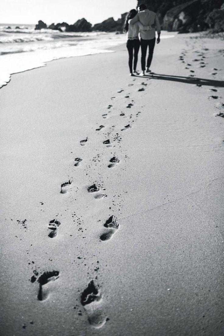 Fotos de pareja en la playa. Couple session photos at the beach. Cádiz, Spain.