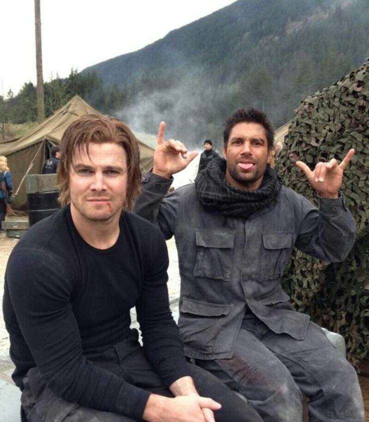 Stephen Amell (Oliver Queen) Manu Bennett (Slade Wilson) on the set of Arrow.
