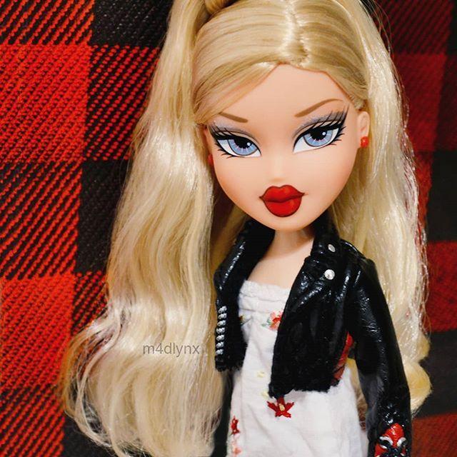 Pin By Mary Gorman On Vacay Blonde Aesthetic Bratz Doll Bratz