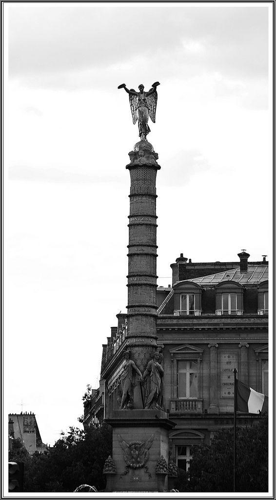Colonne de la Place du Châtelet