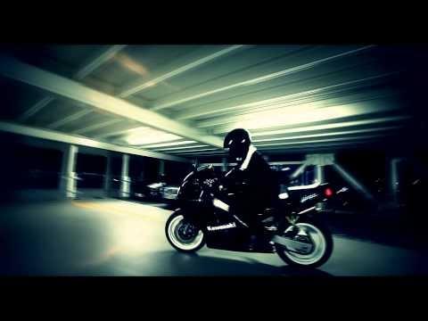Motorcyclist Garage - Red Bull Night | Glidecam