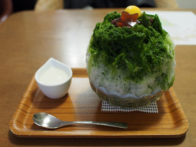 Japanese Shaved Ice Dessert - Maccha Kintoki by INZM., via Flickr