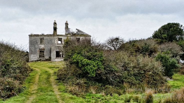 An abandoned home outside of Roundstone. Maybe a future retirement home someday?!