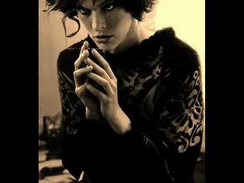 Milla Jovovich - Satellite of Love