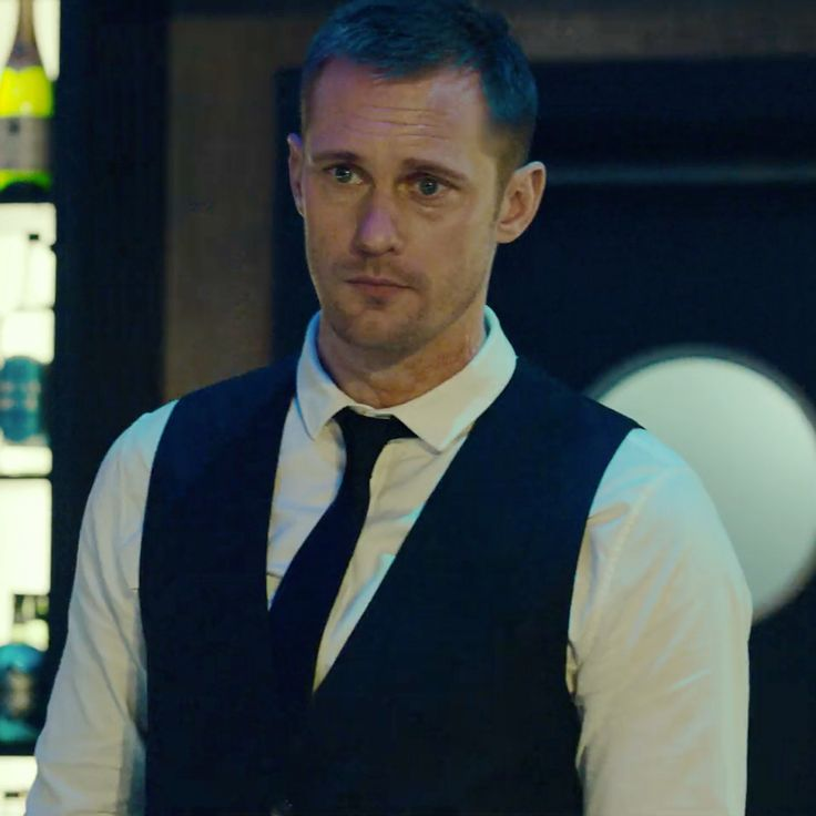 More new screen caps of Alexander Skarsgård in @Mute (non-spoilers) as Leo Beiler . (Most fabulous Amish mute wood-carving bartender ever!) #alexanderskarsgard #alexanderskarsgård #skarsgard #skarsgård Check out this @netflix original film by #DuncanJones! my screen caps.