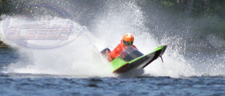 Hydroplane racer Will Hunter racing 'Lime Twister'