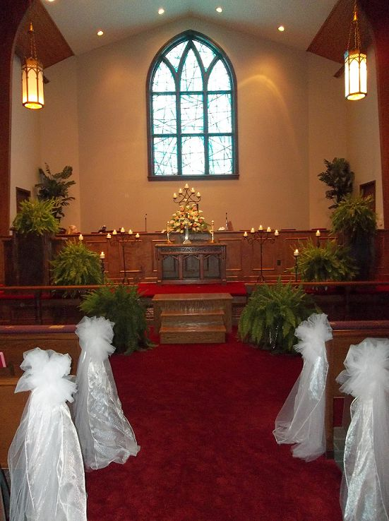 Dont Like The White Decorations On The Pews But Love The
