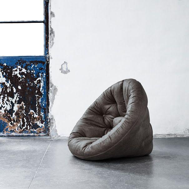 POLTRONA LETTO FUTON NIDO VINTAGE KARUP Poltrona letto futon multifunzione disponibile in 4 colorazioni vintage