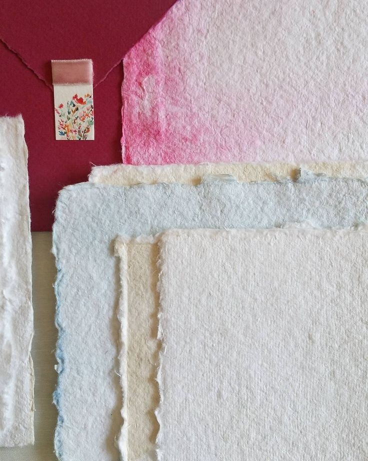 """Paper, paper, paper... we ❤ to dye it. . . . #apajarita #papergoods #paperinvitation…"""