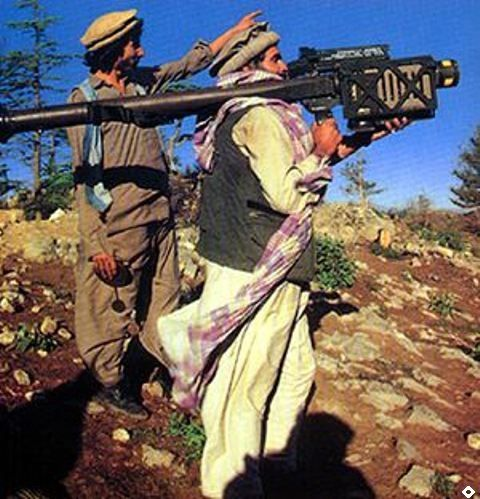 """Afghan guerrilla with FIM-92 """"STINGER"""" - pin by Paolo Marzioli"""