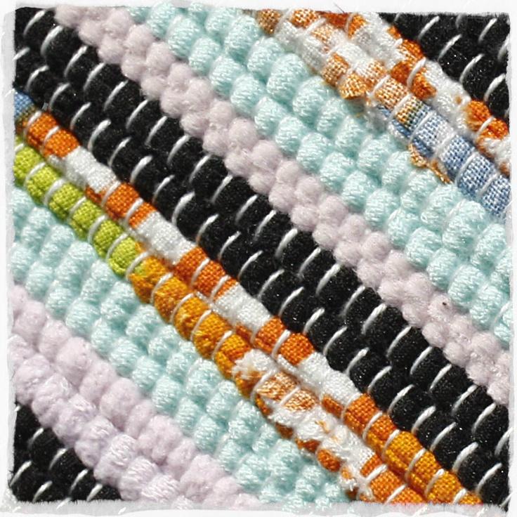 Pestrá harmonicka sladěná paleta barev.