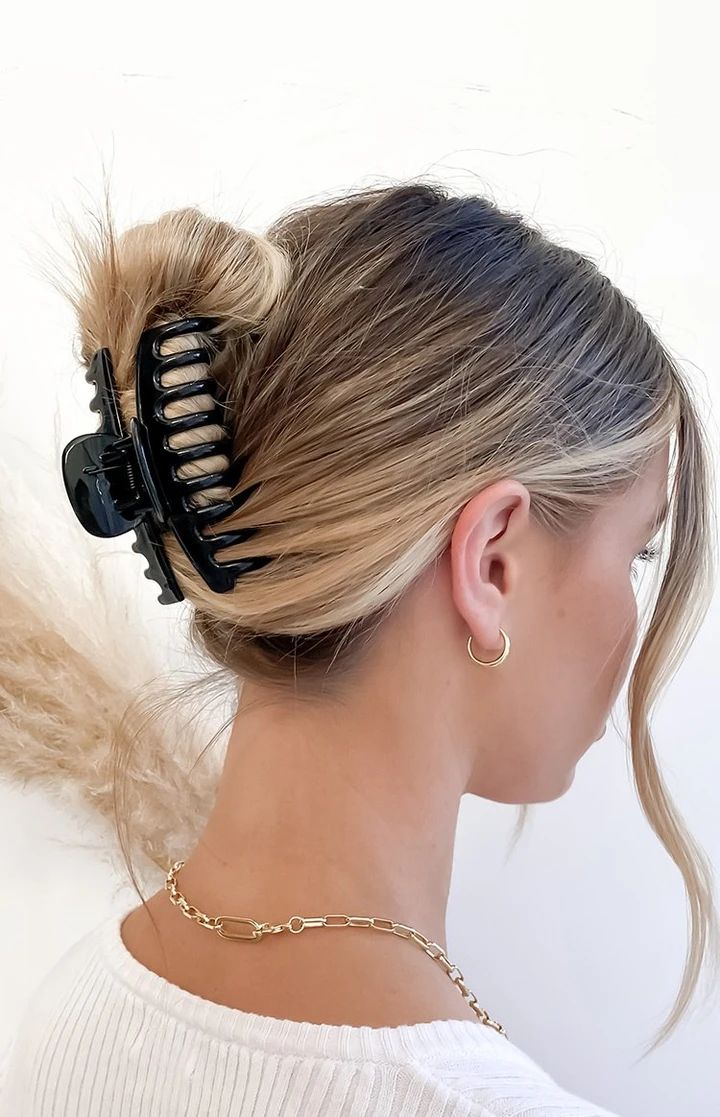 Eclat no doubt claw hair clip black in 2020 claw hair