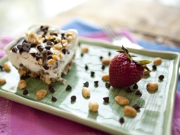 This frozen dessert using Yoplait® Greek yogurt was created by Brianne Izzo, Blogger at cupcakesandkalechips.com.