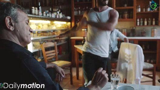 """""""Το άσπρο μου πουκάμισο"""" ένα καινούργιο τραγούδι του Γιώργου Νταλάρα κυλοφορεί από την Spider Music και παγκόσμια από την Sony Music Turkey. Credits: Μουσική: Ανδρέας Κατσιγιάννης Στίχοι: Χρήστος Παγώνης Ενορχήστρωση: Ανδρέας Κατσιγιάννης Ηχοληψία - Μίξη - Μάστερινγκ: Ηλίας Λάκκας Μουσικοί: Γιάννης Τσέρτος: Πιάνο Μανώλης Καραντίνης: Μπουζούκι Μπαγλαμά Απόστολος Βαλαρούτσος: Κιθάρα Γιώργος Νταλάρας: Κιθάρα Γιάννης Πλαγιανάκος: Μπάσο Γρηγόρης Συντηρίδης: Τύμπανα Σκηνοθεσία: Expose Prod"""