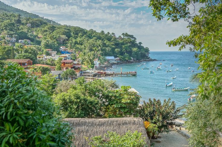 Yelapa Muelle by Tom Dailey on 500px