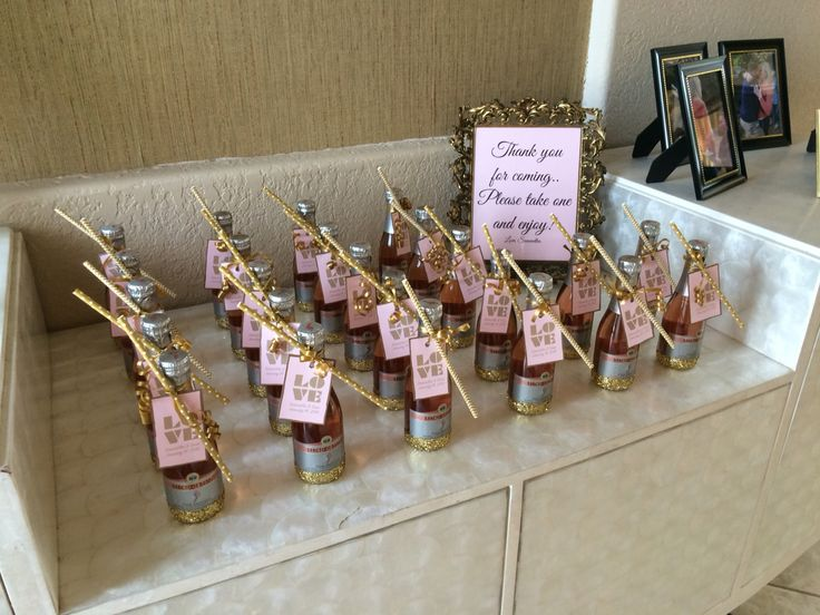Wedding Take Home Gifts: Mini Champagne Bottles With Tags As Take Home Gifts