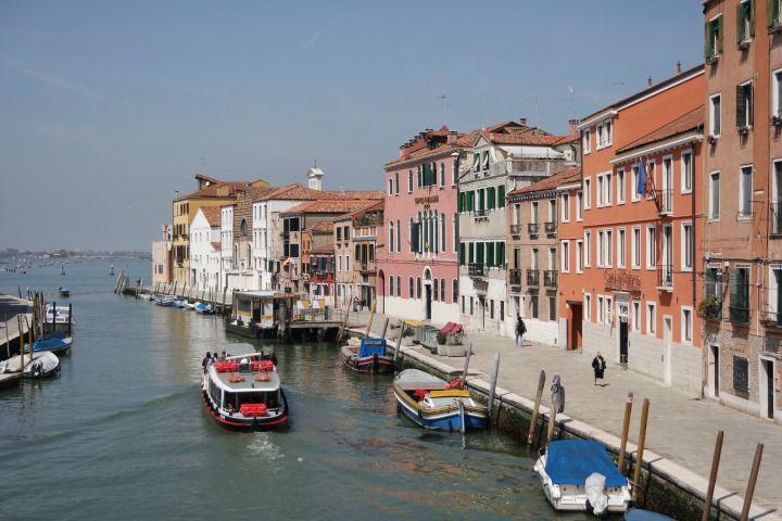 9 outoa faktaa Venetsiasta. Lue lisää http://marimente.pallontallaajat.net/2015/06/05/9-outoa-faktaa-venetsiasta/