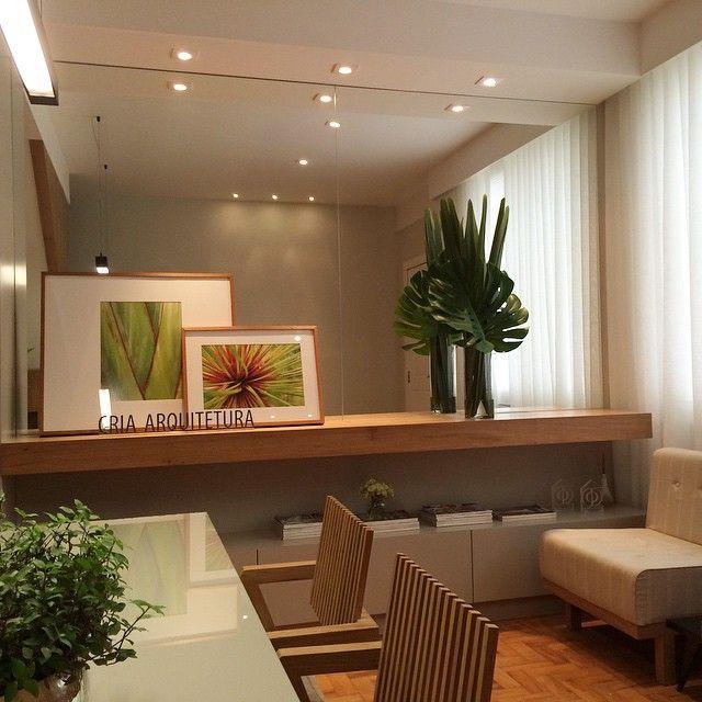 Bom dia! Tudo verde por aqui! Um pedacinho da nossa recepção... #criaarquitetura #arquitetura #decor #decoração #interiordesing #design #desingdeinteriores #architecture