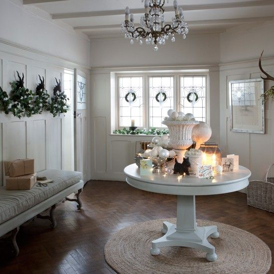 Nice Christmas Hallway Decorating Ideas To Impress Your Guests